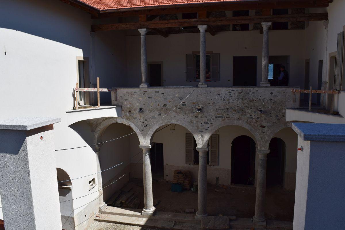 Appartamenti in ristrutturazione di prestigio a Porto Valtravaglia 9