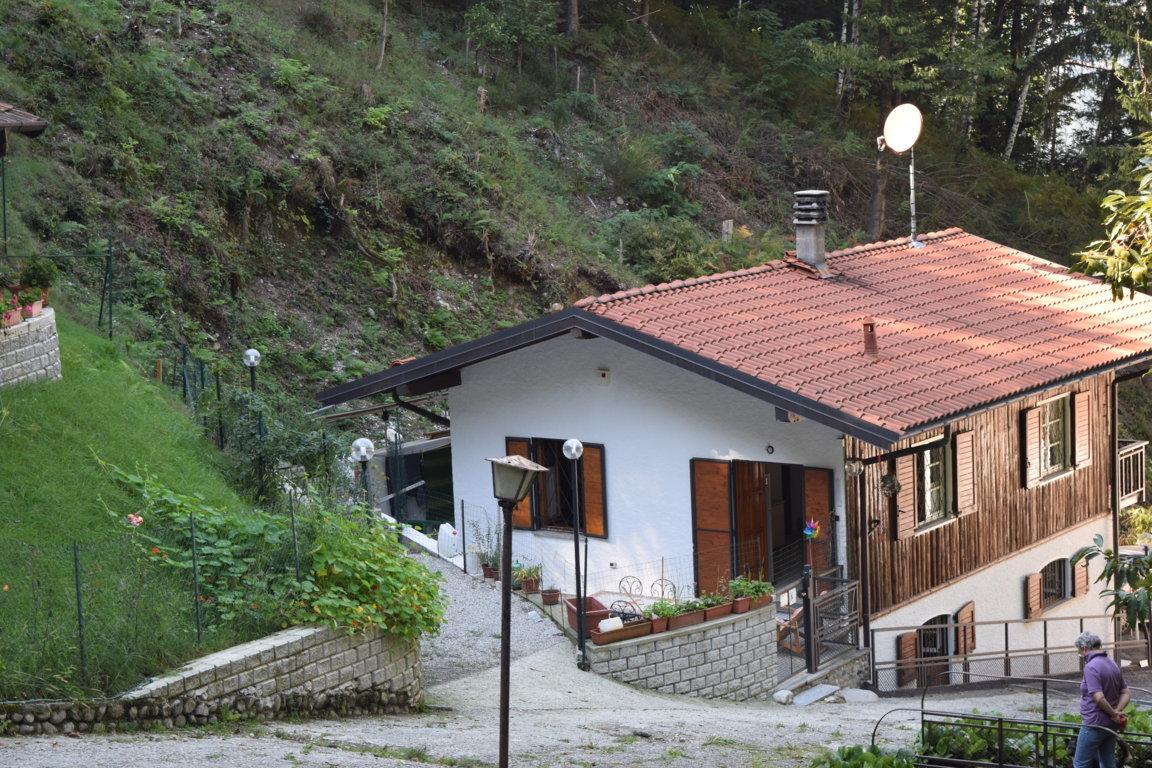 villa in vendita castelveccana8
