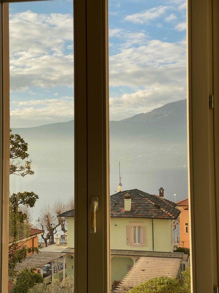 dettaglio finestra vista a lago app. B5
